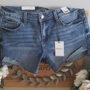 Judy blue mid rise shorts